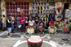 Musiciens-de-Gwo-Ka-à-la-rue-piétonne-de-Pointe-à-Pitre