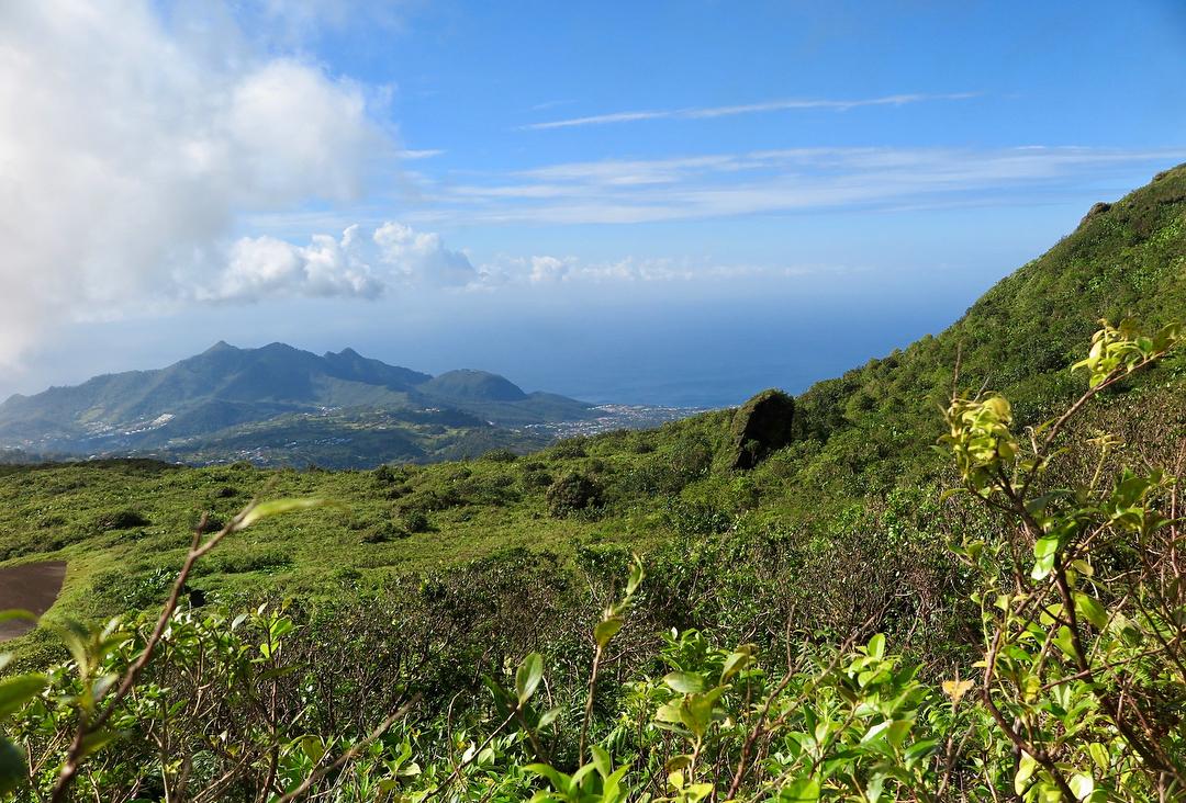Panoramique  de la soufrière de Guadeloupe