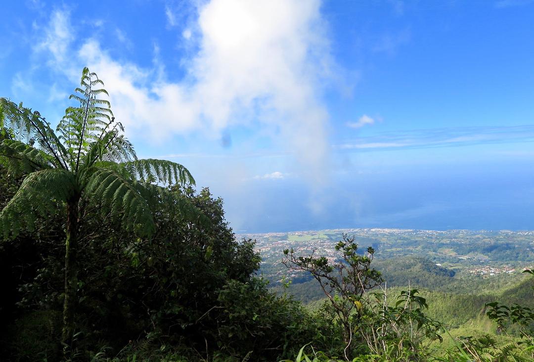 Vue en hauteur de la soufrière de Guadeloupe
