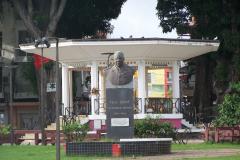 Statue_Félix_Éboué_sur_la_place_de_la_Victoire_de_Pointe-à-Pitre