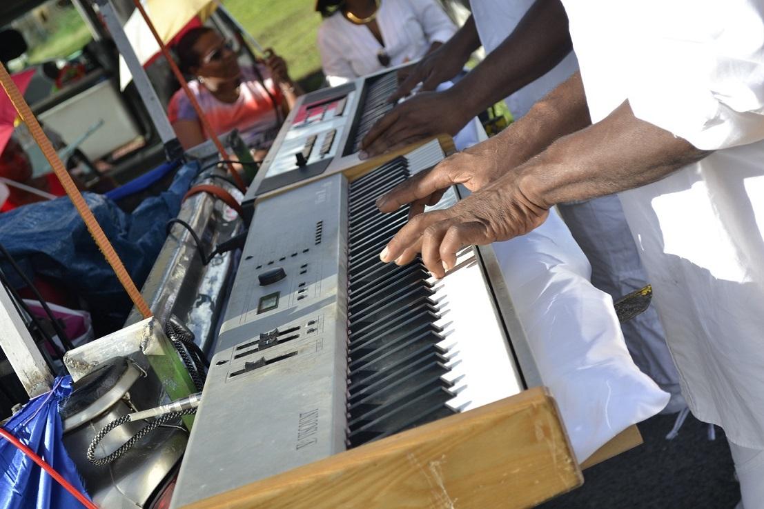 Carnaval de Guadeloupe groupe à synthé