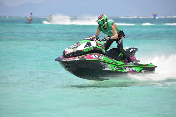 La Karujet est le rendez-vous des mordus de jet ski en Guadeloupe.