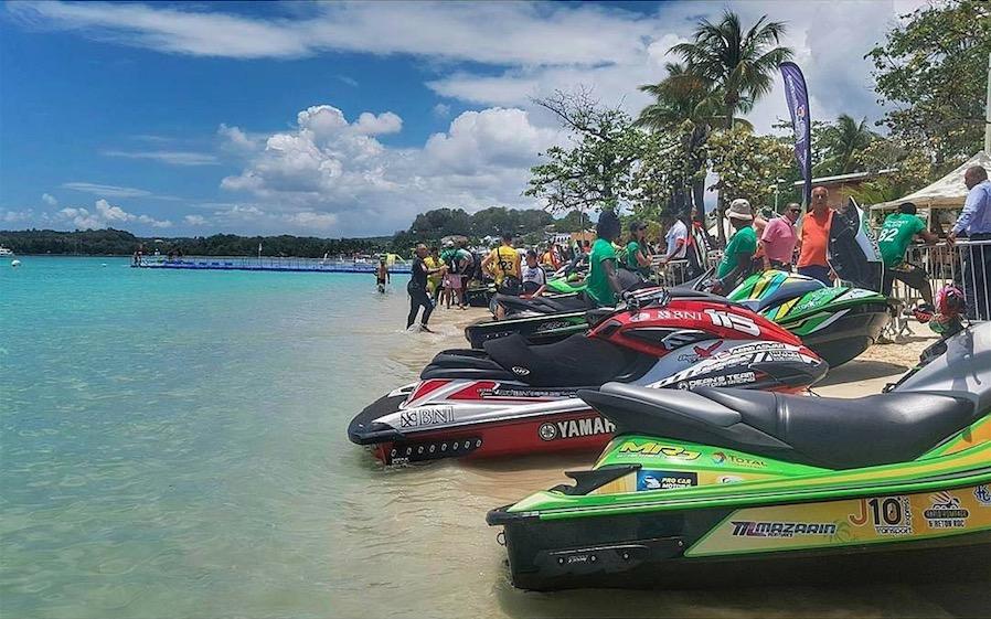 Karujet est le rendez-vous des mordus de jet ski en Guadeloupe